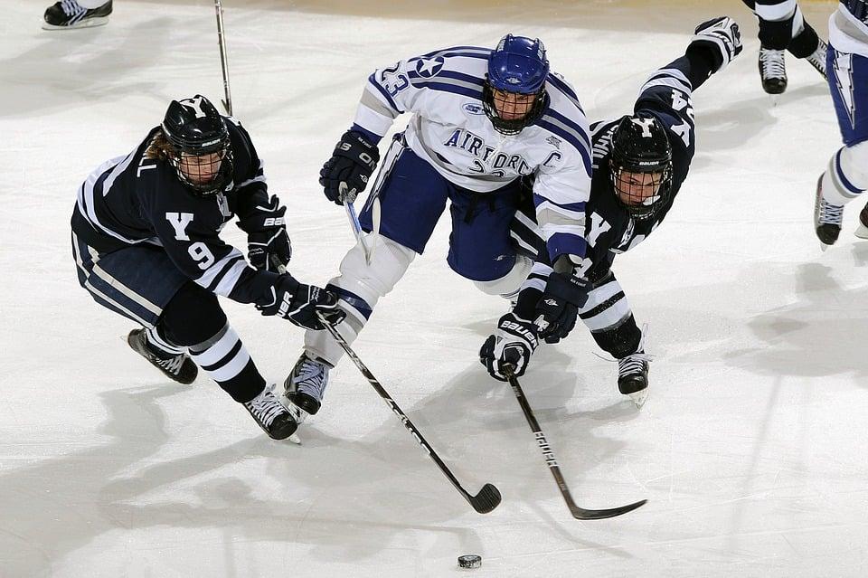 ice-hockey-1084197_960_720-2.jpg
