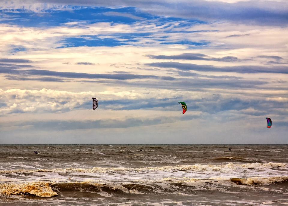 kitesurfer-960948_960_720.jpg